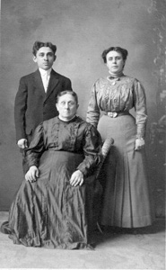 Uncle Arthur Barrett, Aunt Rose, Amanda (Pelland) Coutu